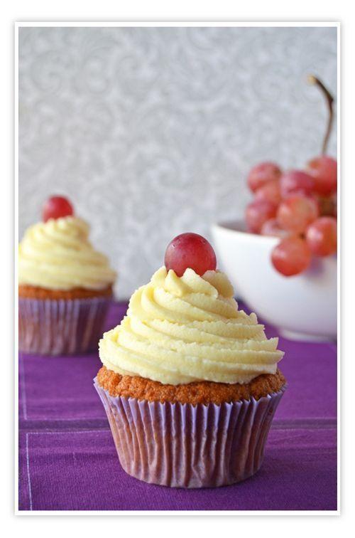 Cupcakes a diario: Cupcakes de uva o el por qué me han empezado a gustar las uvas... | #cupcakes #diario: #empezado #gustar #qué #uvas...