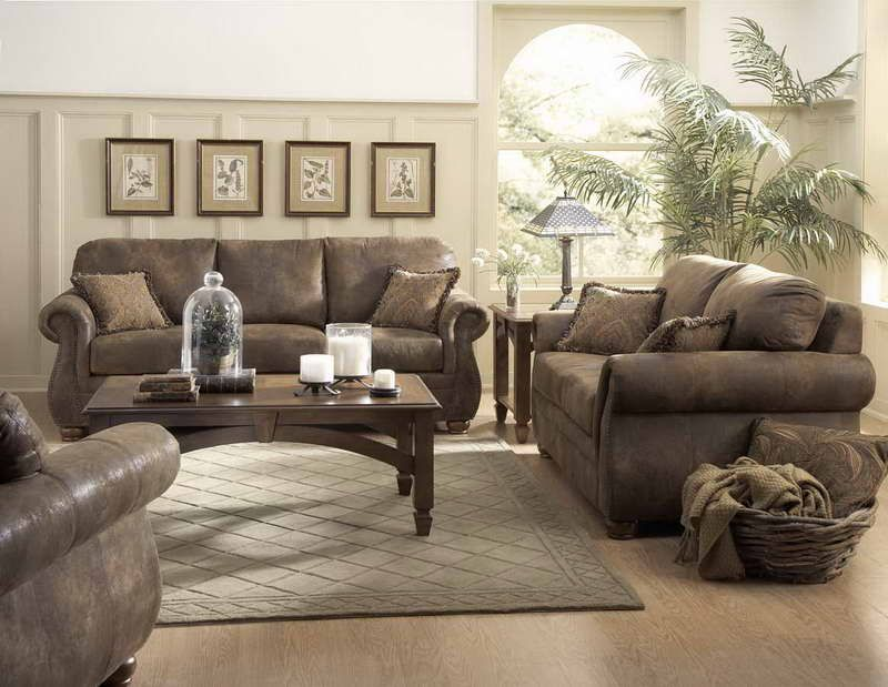 Livingroom:Amazing Family Room With Comfy Padded Leather Sofas Wooden Coffee Table Rug Placed On The Wood Flooring Ideas Cozy Family Room Flooring Ideas with Elegant Accent