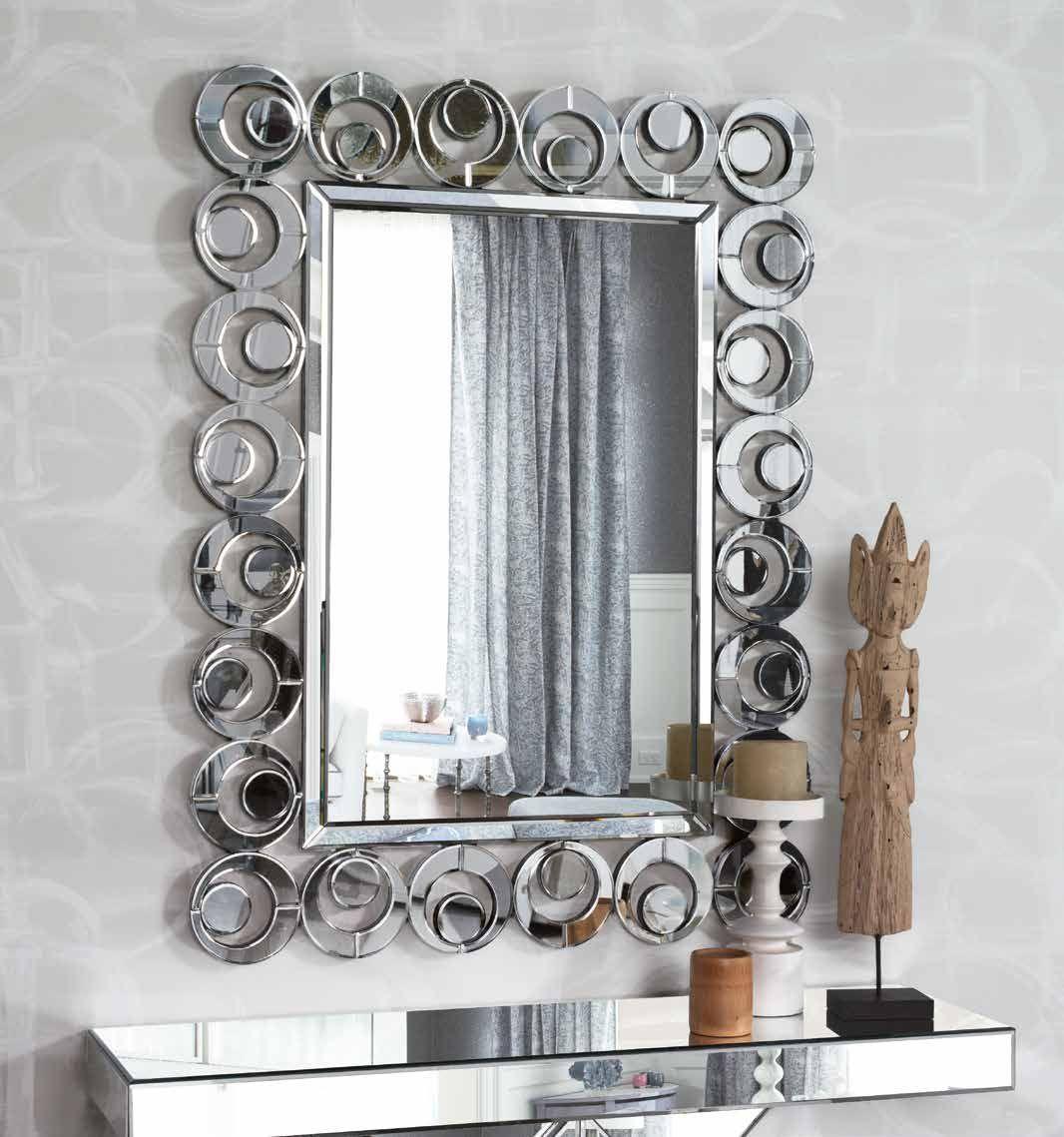 Con un marco de circulos tangentes que rodean a todo el espejo, es ...
