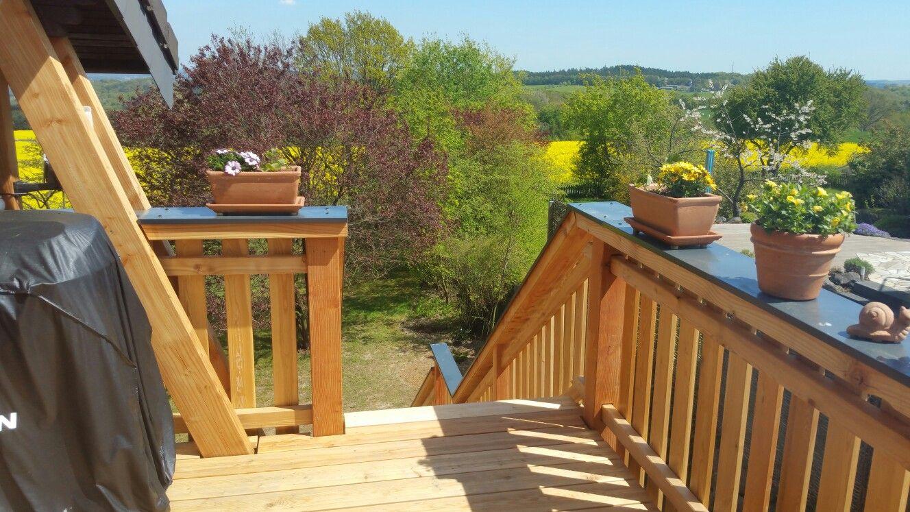 holzbalkon bau mit treppe holzbalkon pinterest balkon holz. Black Bedroom Furniture Sets. Home Design Ideas