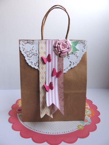 417514ea0 Sacola craft com alça. Decorada toda com papel de scrapbook. Posso fazer  com outras cores de papel. R$ 5,00