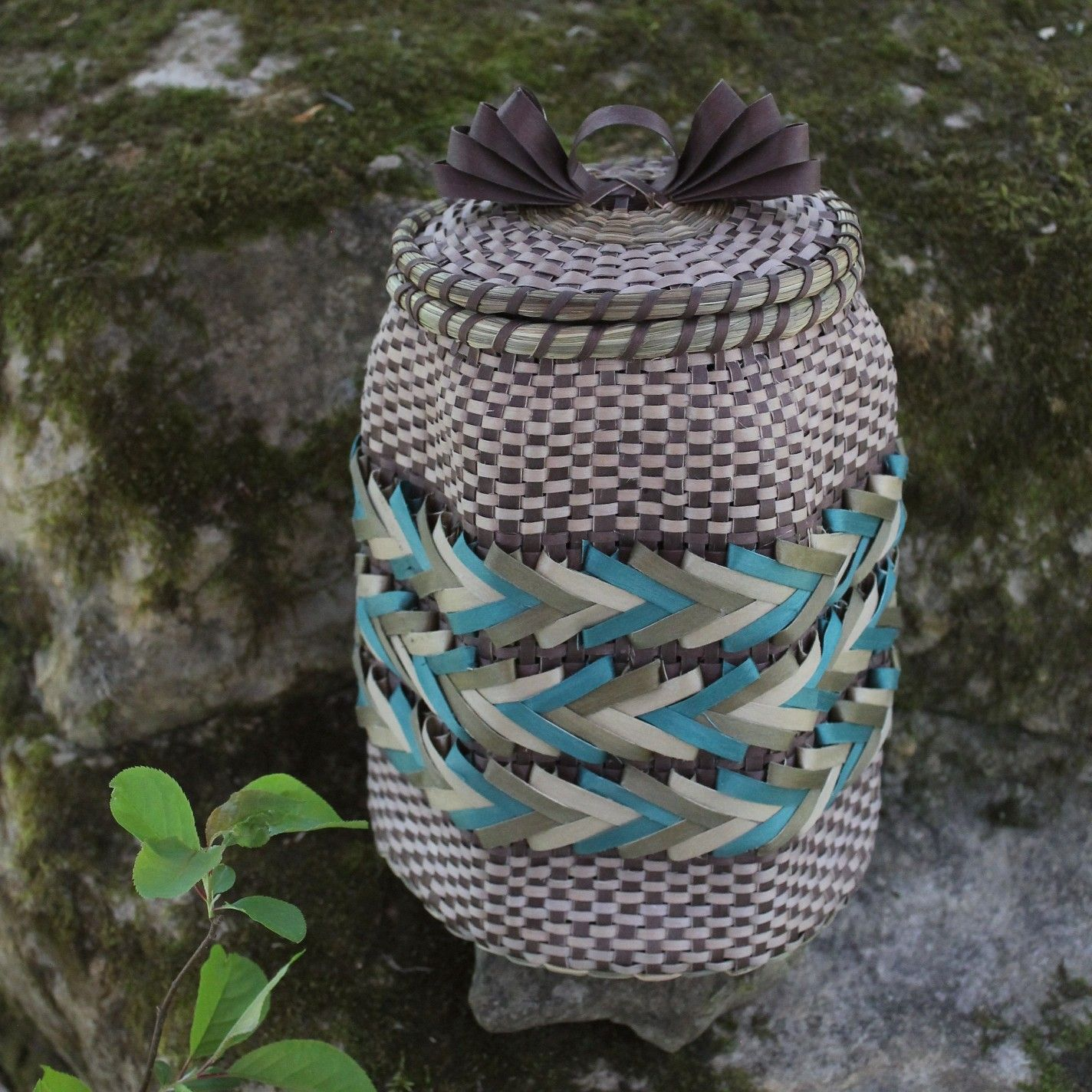 Hexagon arrow basket made by dream weaver basketry mohawk basket