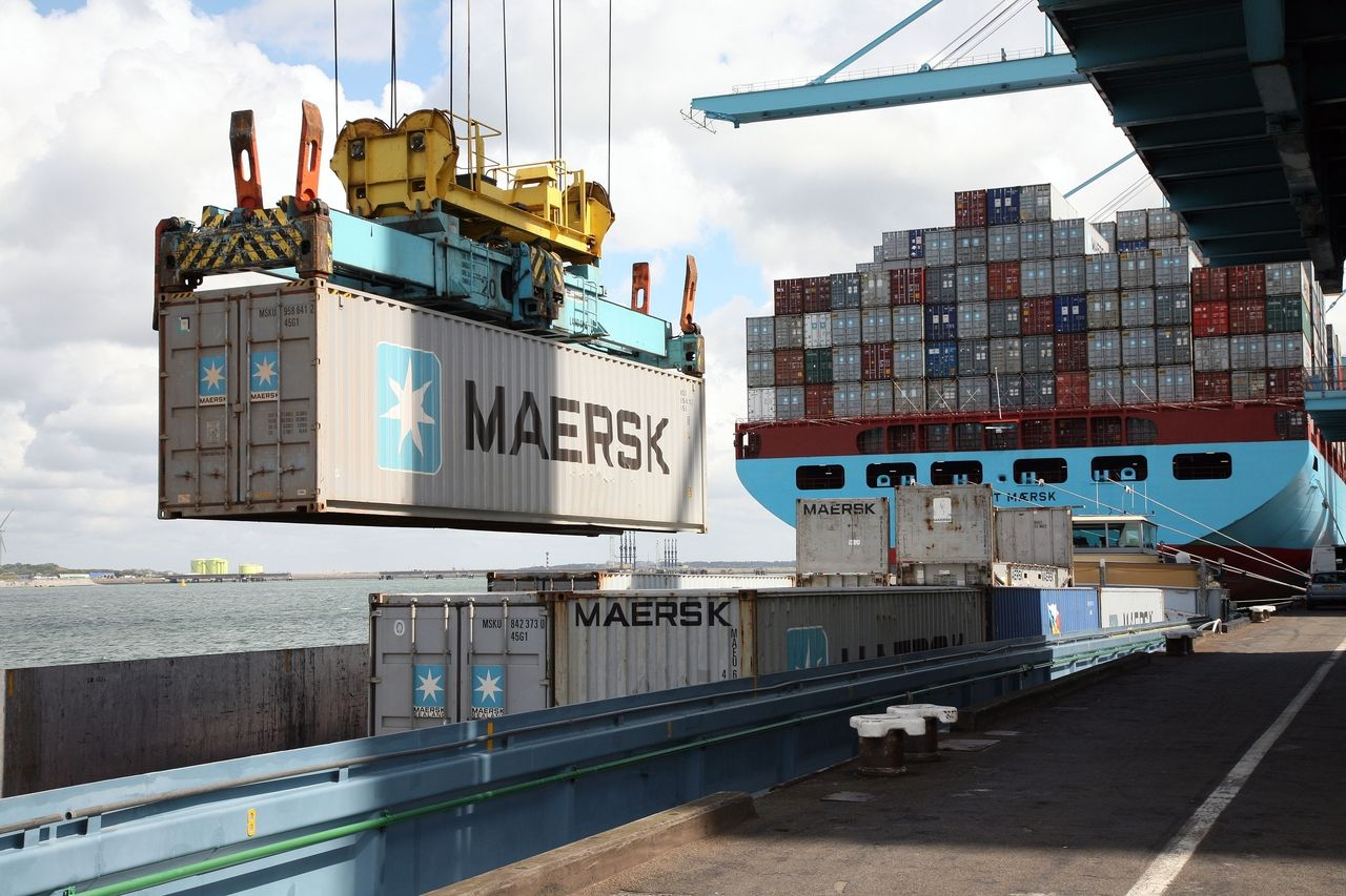 CONTAINERIZATION Export business, Maersk line, Merchant