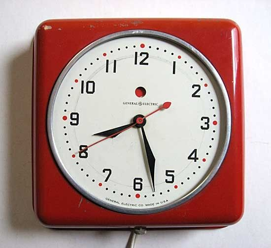 GE 1950 Vintage American Red Metal Case Kitchen Wall Clock, Classic And  Working