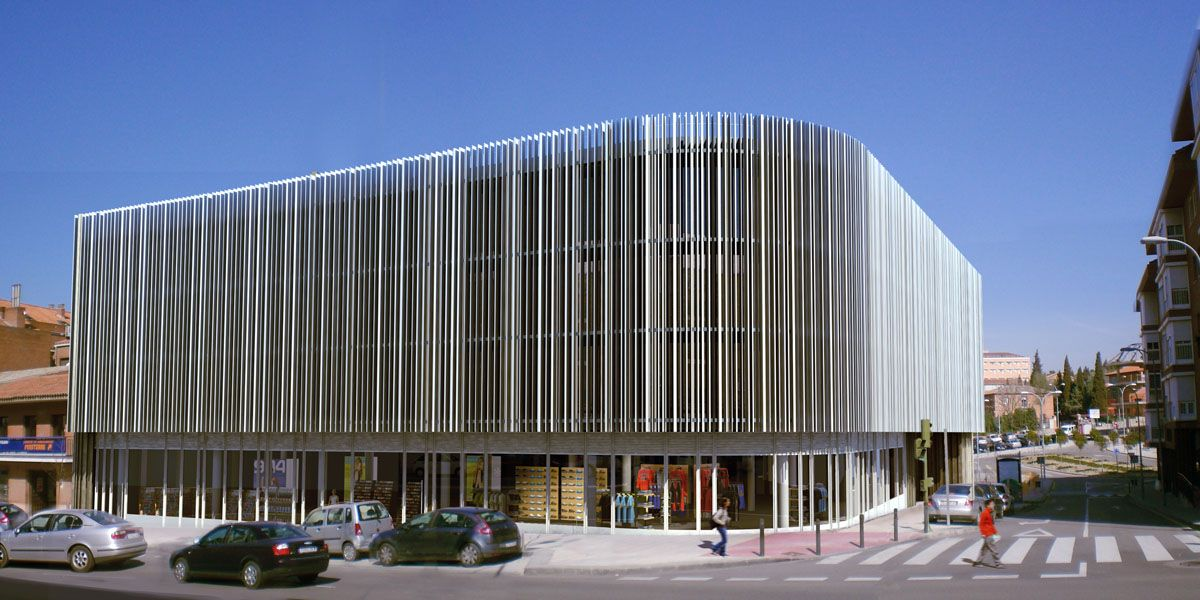Edificio oficinas general villalba toledo tash taller for Fachadas de edificios modernos