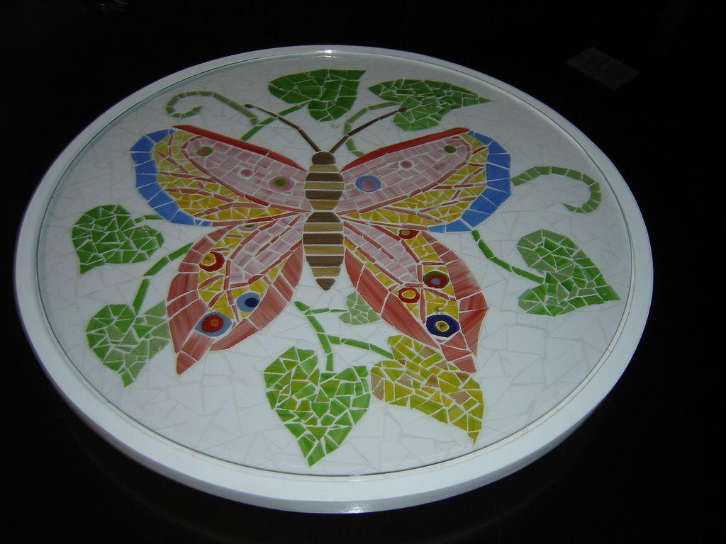 https://flic.kr/p/fvvqZ | prato mosaico borboleta Ref 008 | prato giratório mosaico  base madeira e mosaico azulezos 0,47x0,47cm