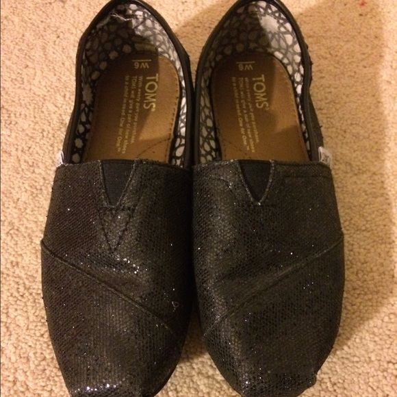 Black glitter toms Good condition! Work about 5 times! TOMS Shoes Slippers