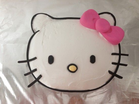 Easy hello kitty cake! Template and video tutorial provided