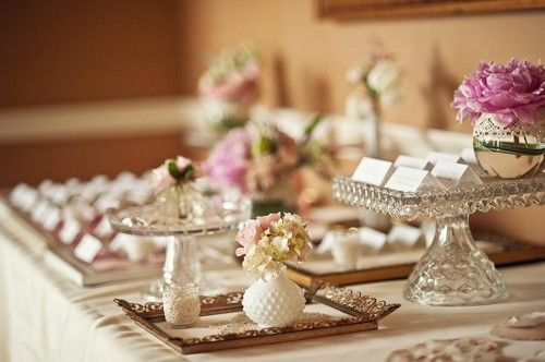 Where To Buy Used Wedding Decor Online Woman Getting Married Used Wedding Decor Wedding Table Decorations Vintage Vintage Wedding Centerpieces