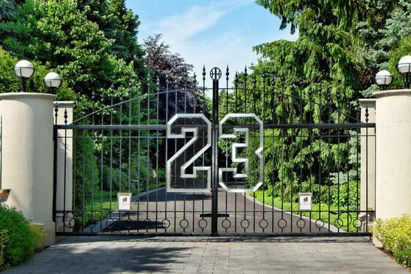 Grand Entrance Celebrity Houses Michael Jordan Front Gates