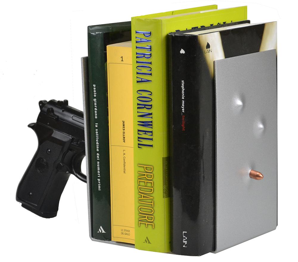 """""""Ferma o sparo""""!!! Simpatica e originale idea regalo per gli appassionati della lettura. Scopri tutti i modelli si fermalibri su www.comprocomodo.it  #fermalibri #antartidee #biblioteca #lettura #libri #designitaliano #design #comprocomodo #libreria"""
