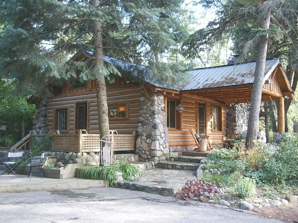 Cabin Vacation Rental In Traverse City From Vrbo Com Vacation Rental Travel Vrbo Vacation Homes For Rent Cabin Cabin Vacation