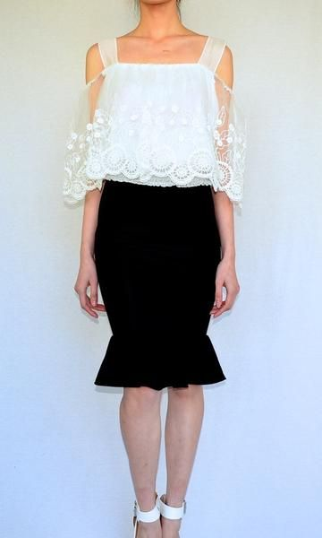 bd88dc12068 COLD CUT OUT SHOULDER TOP in WHITE