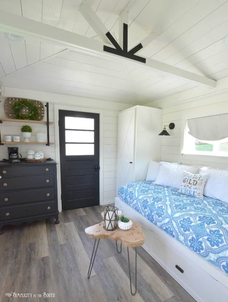 One Room Challenge: The Modern Farmhouse Cottage Guest Shed Reveal images