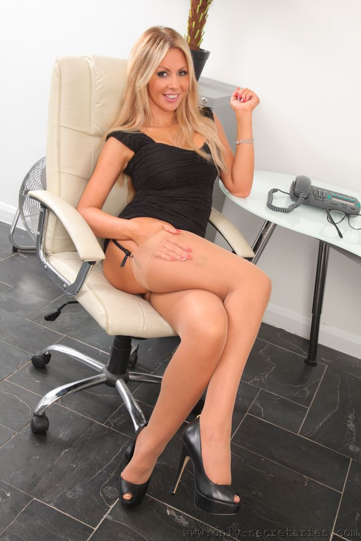 Blonde secretary in pantyhose puts you under her desk 1