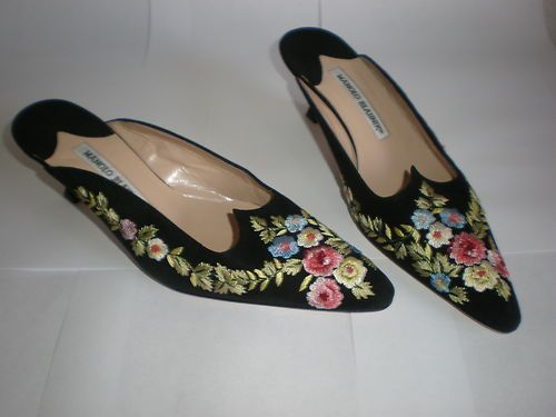 Manolo Blahnik Suede Embroidered Flats cheap sale official Jbwt3
