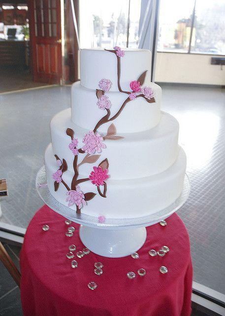 wedding cake    #WeddingCakes #Weddings