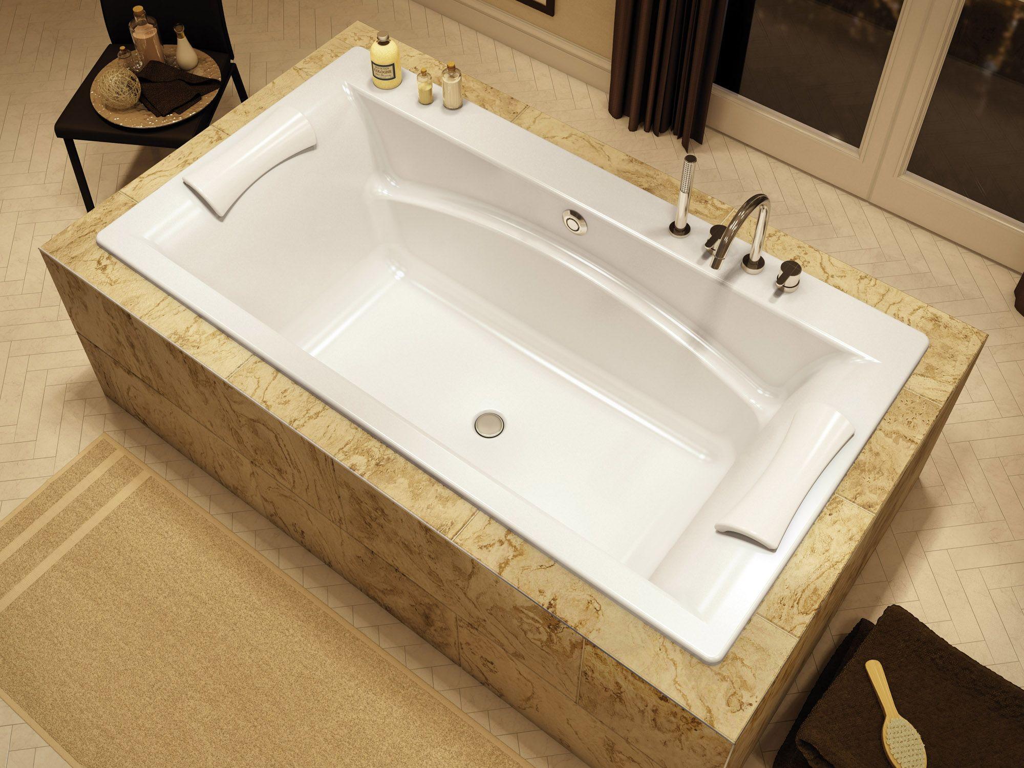 Baignoire podium conçue pour la simplicité et le confort ...