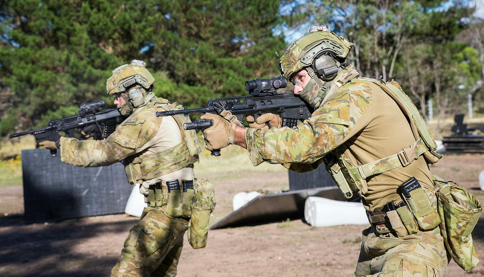 Australian Army soldiers from 1st Battalion Royal Australian ...