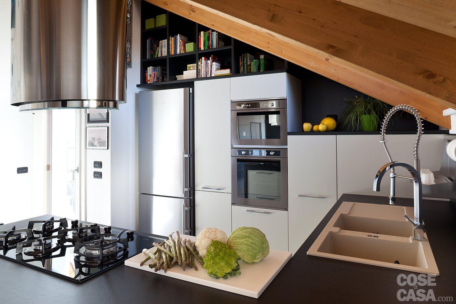 90+10 mq per una casa che sfrutta bene gli spazi | Soppalco, Studio ...