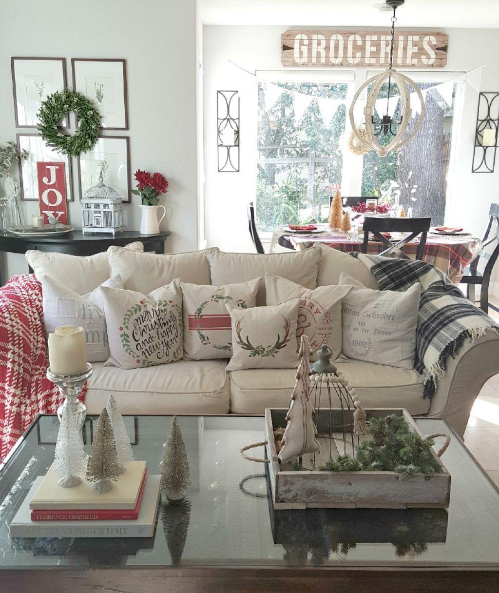 Cool 60 Cute Farmhouse Christmas Decor Ideas https://bellezaroom.com/2017/11/03/60-cute-farmhouse-christmas-decor-ideas/