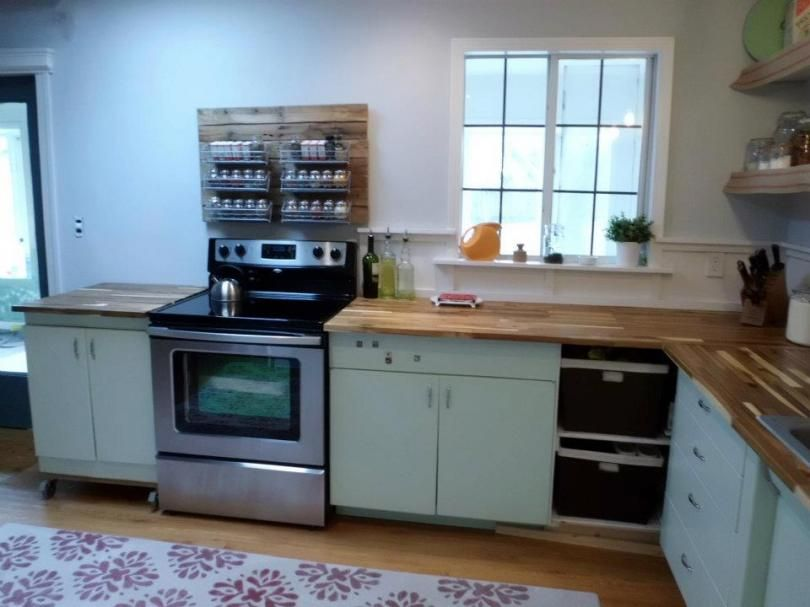 Kitchen 1950 S Metal Cabinets Refinished Youngstown Metal Kitchen Cabinets Metal Cabinet Retro Kitchen