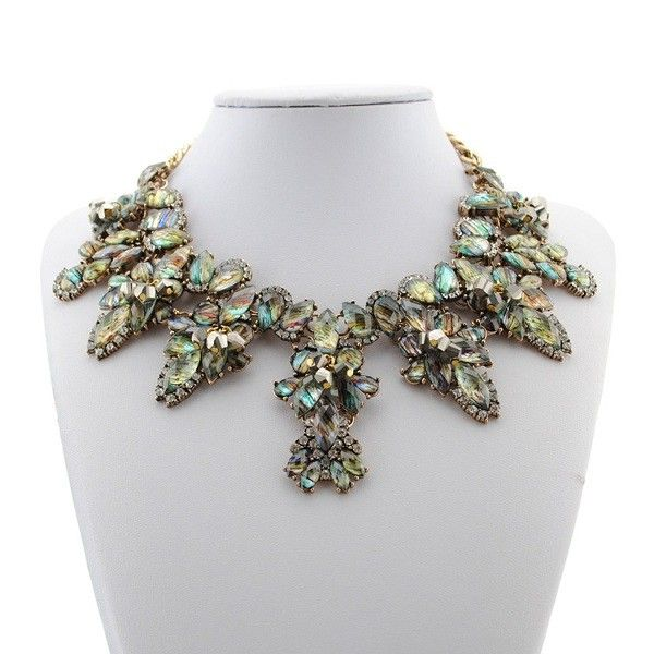 looks like it´s made of seashells #greteljung #statementjewelry #statementnecklace