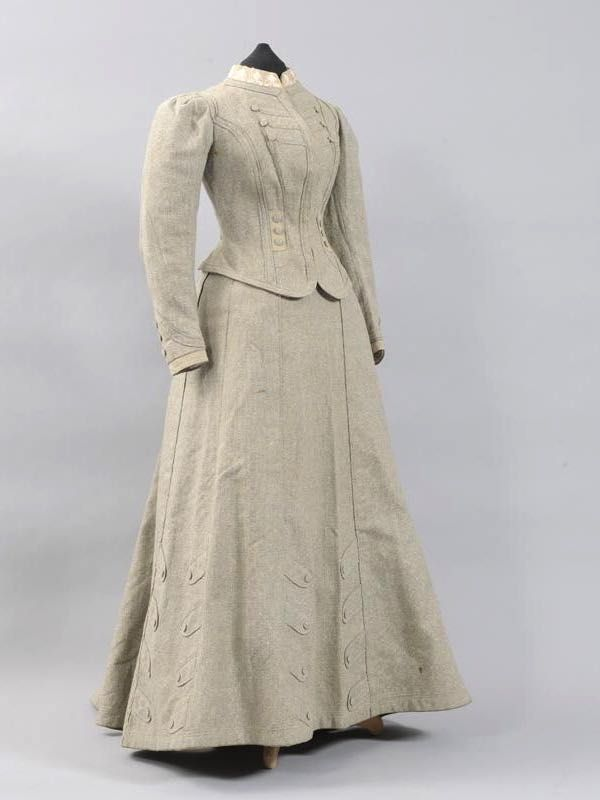 Rate the Dress: Tailored details in 1900