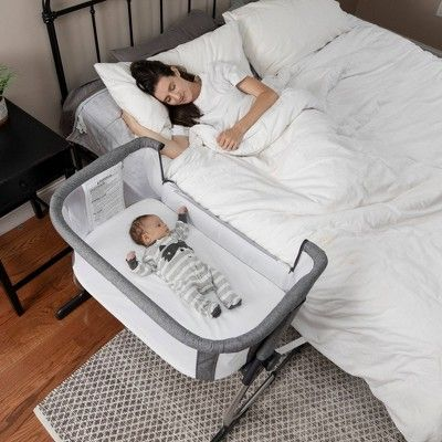 Beside Me Dreamer Bassinet Bedside Sleeper Charcoal In 2020 Baby Bedside Sleeper Baby Furniture Baby Bassinet