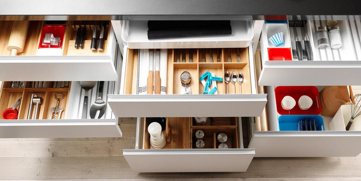Para tener en orden la cocina busca soluciones con for Separadores cajones cocina