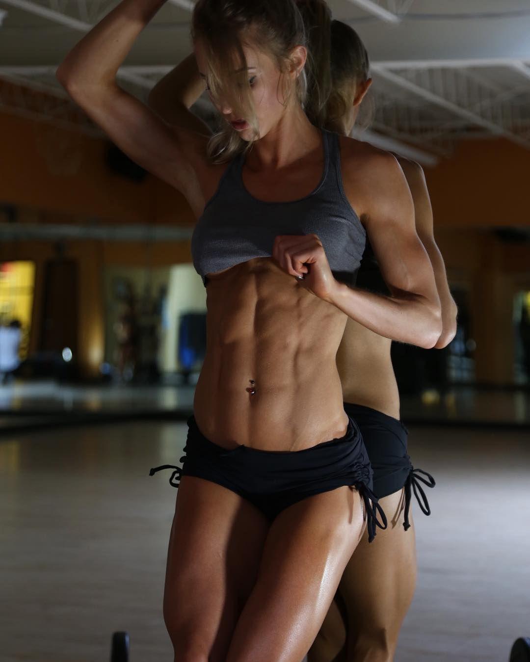 nude woman bodybuilder nakad