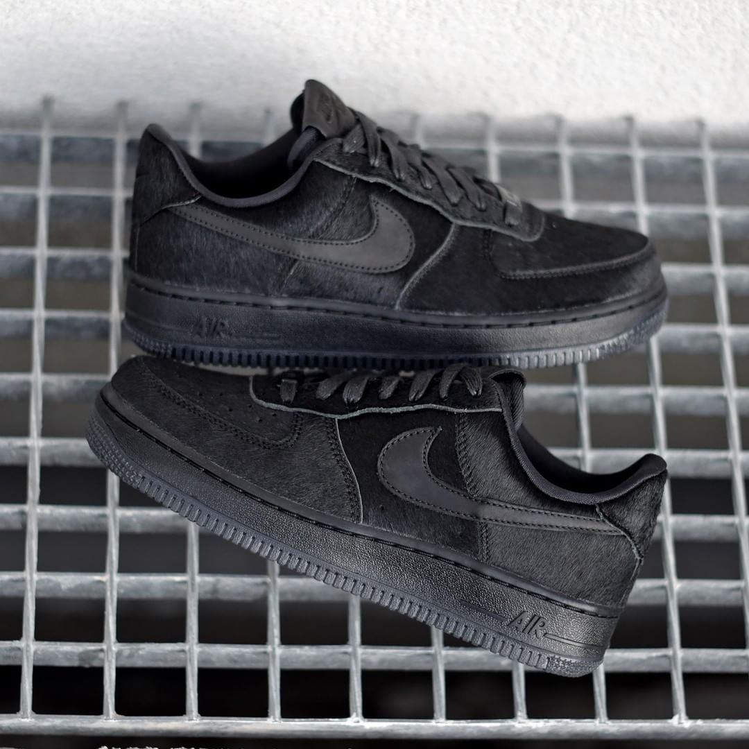 Nike W Air Force 1 Pony Hair . Disponible/Available SNKRS