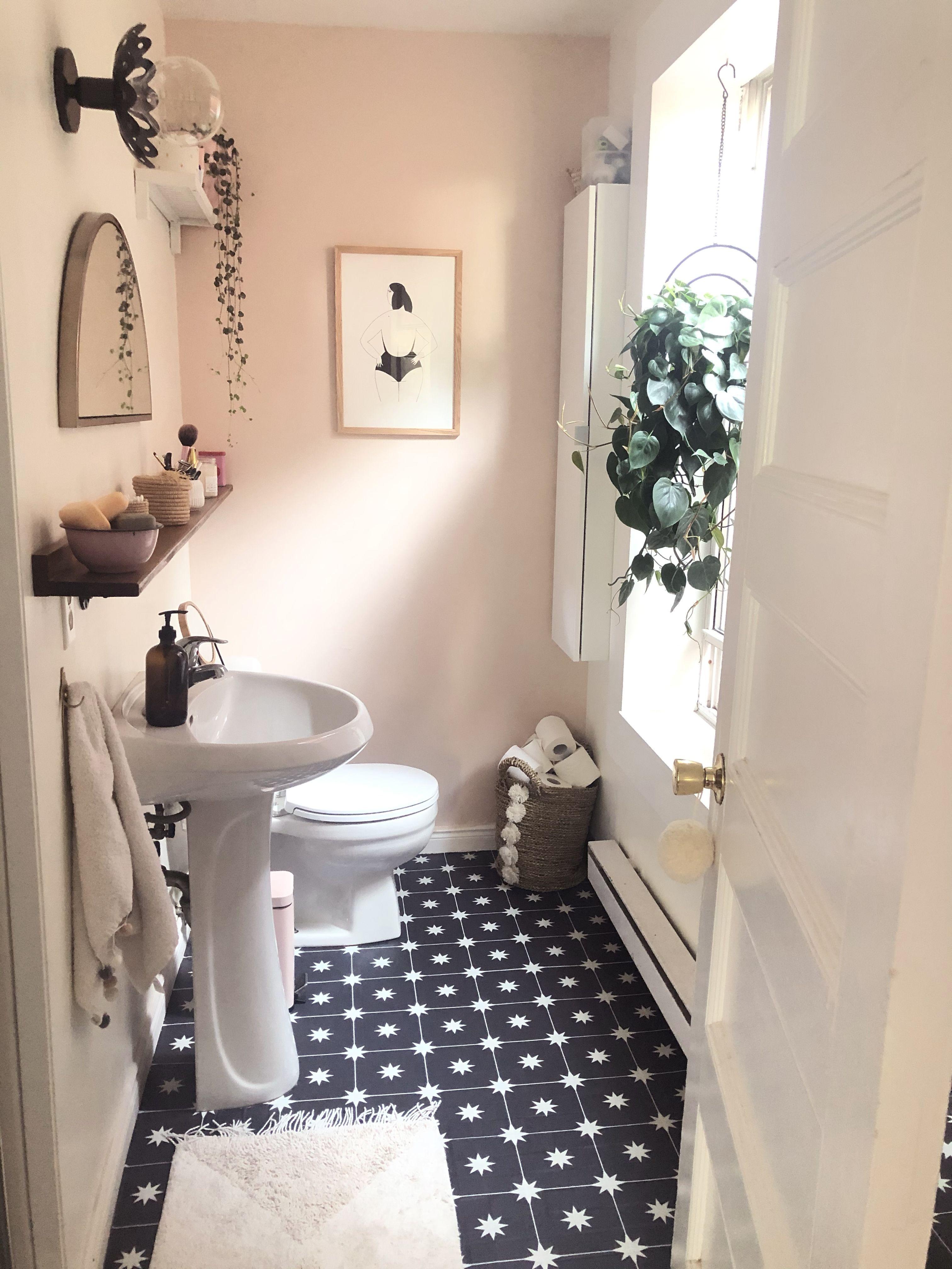 Easy Diy Bathroom Floor Tile Makeover For Under 300 In 2020 Bathroom Flooring Tile Floor Diy Apartment Decor Inspiration