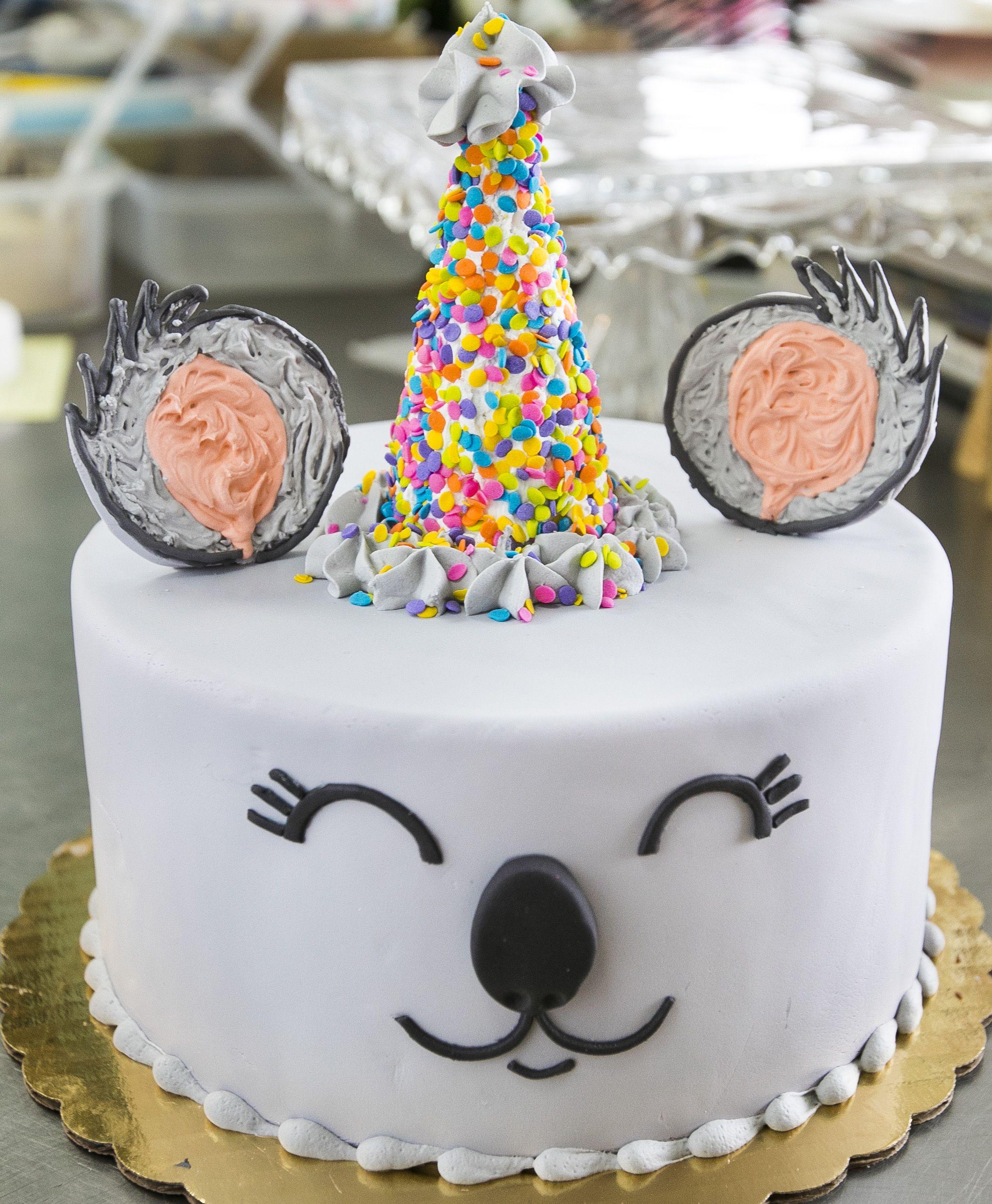 Koala Bear Birthday Cake In 2020 Cool Cake Designs Cake Designs Birthday Cake Design