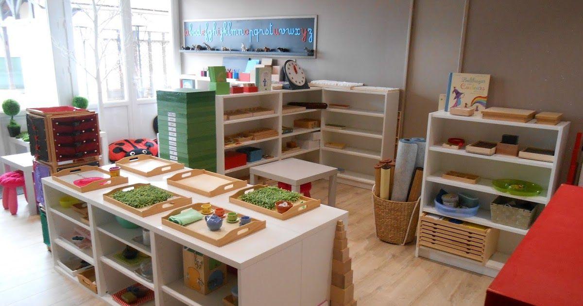 Voici quelques photos de mon ambiance Montessori, j'ai encore des modifications à faire, du matériel à fabriquer et à acheter mais je peux ...