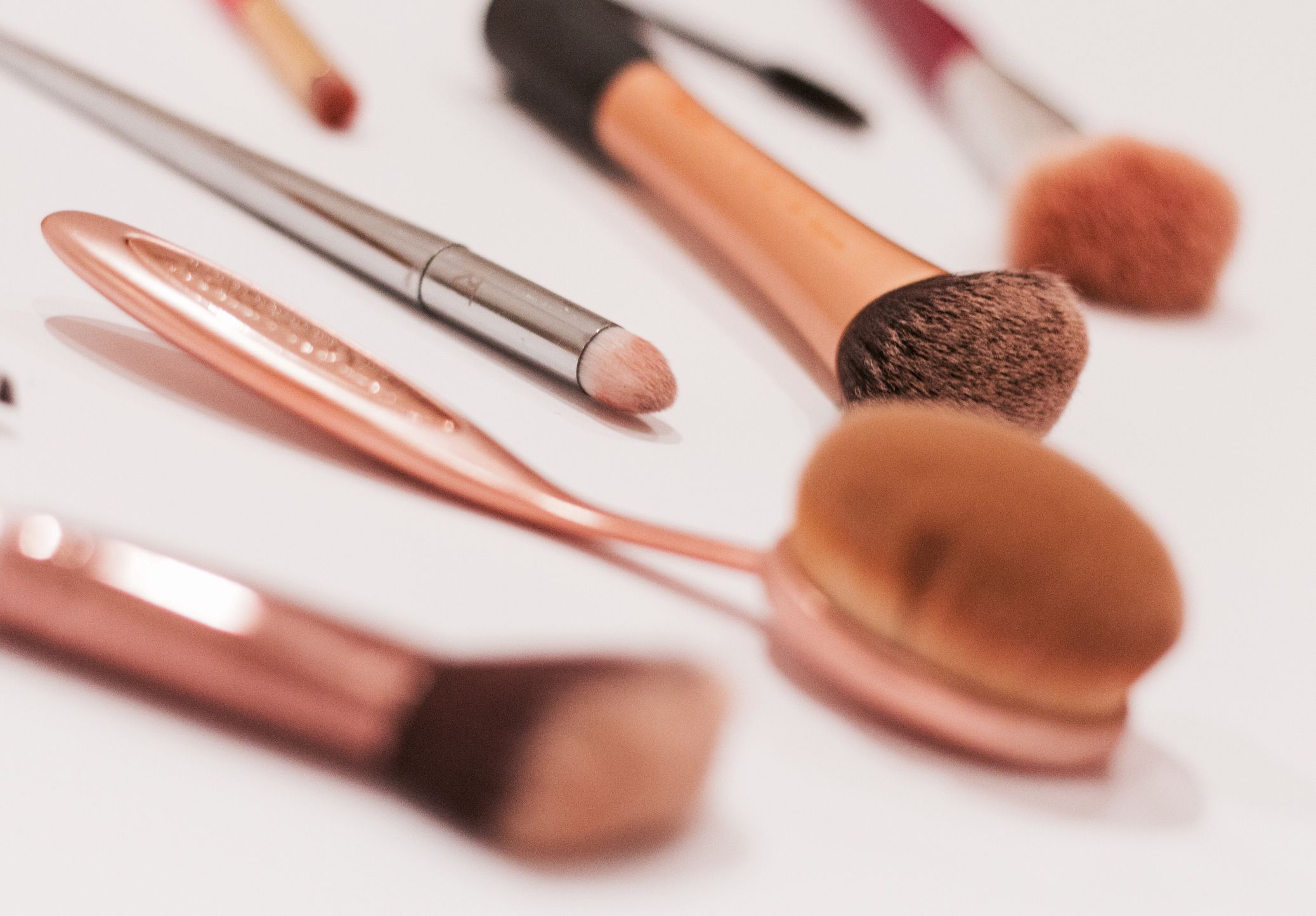 10 Foundation Brushes That Will Make Your Skin Look