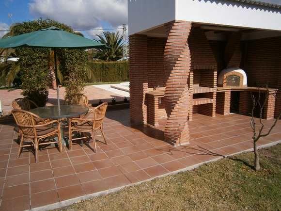 Cocina exterior de ladrillo visto casa pinterest ladrillo cocinas y rusticas - Barbacoas modernas de obra ...