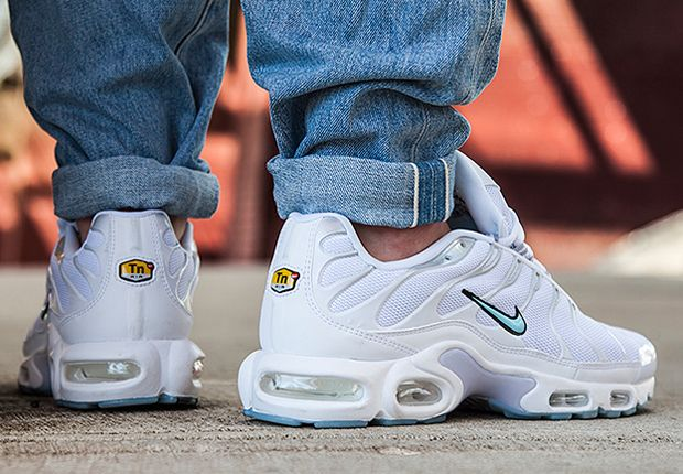 Nike Air Max Plus TN </p>                     </div> 		  <!--bof Product URL --> 										<!--eof Product URL --> 					<!--bof Quantity Discounts table --> 											<!--eof Quantity Discounts table --> 				</div> 				                       			</dd> 						<dt class=