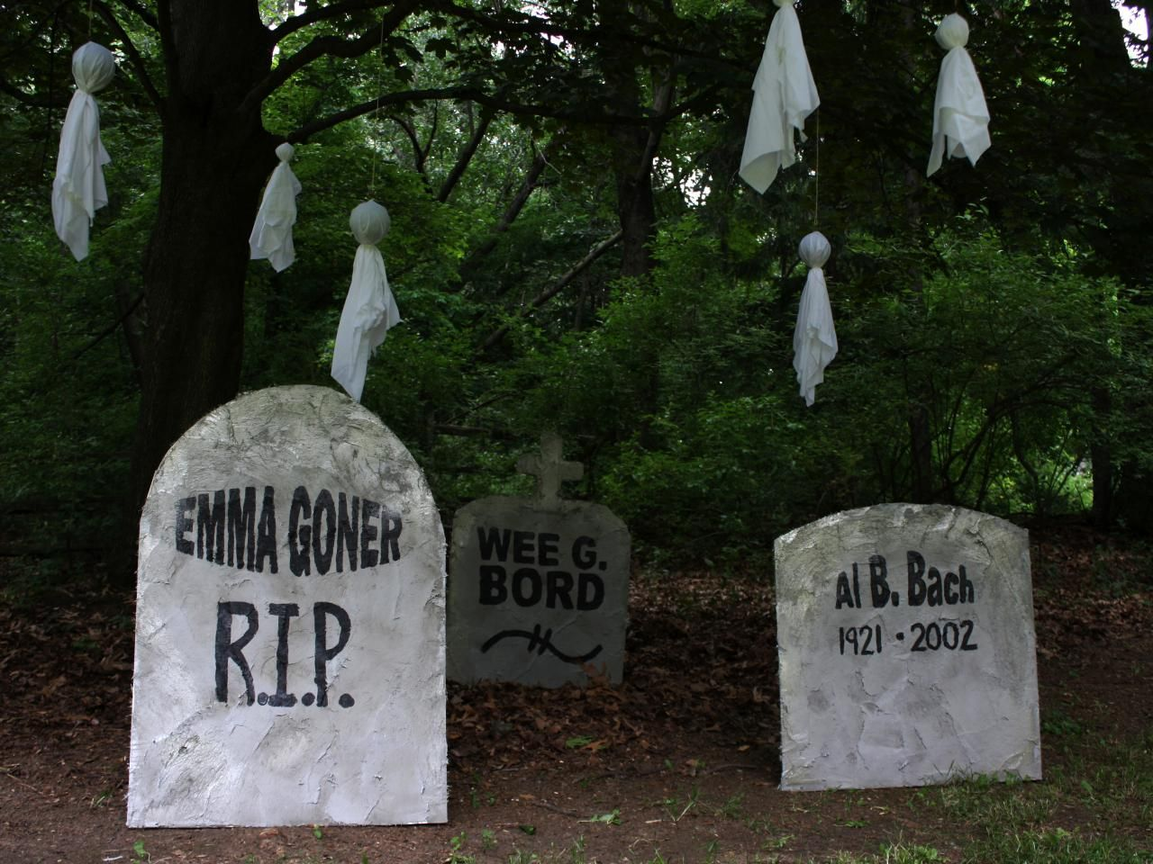 Halloween Decorations DIY Halloween, Halloween tombstones and - halloween decorations diy
