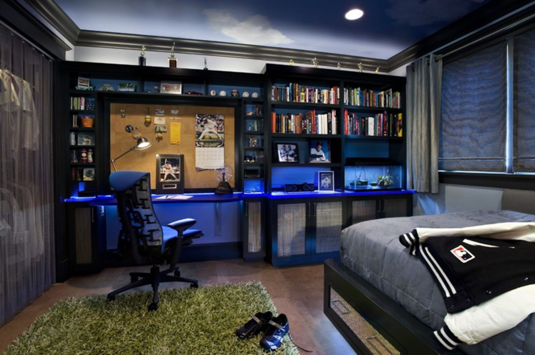10+ Elegant Teenage Boy Bedroom Design and Decor Ideas For ... on Teenage Guys Small Room Ideas For Guys  id=92937