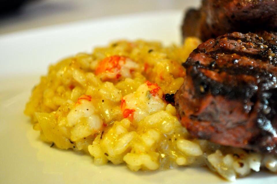 How to Cook Lobster Risotto and Steak. Como hacer Risotto de langosta y filete de carne.