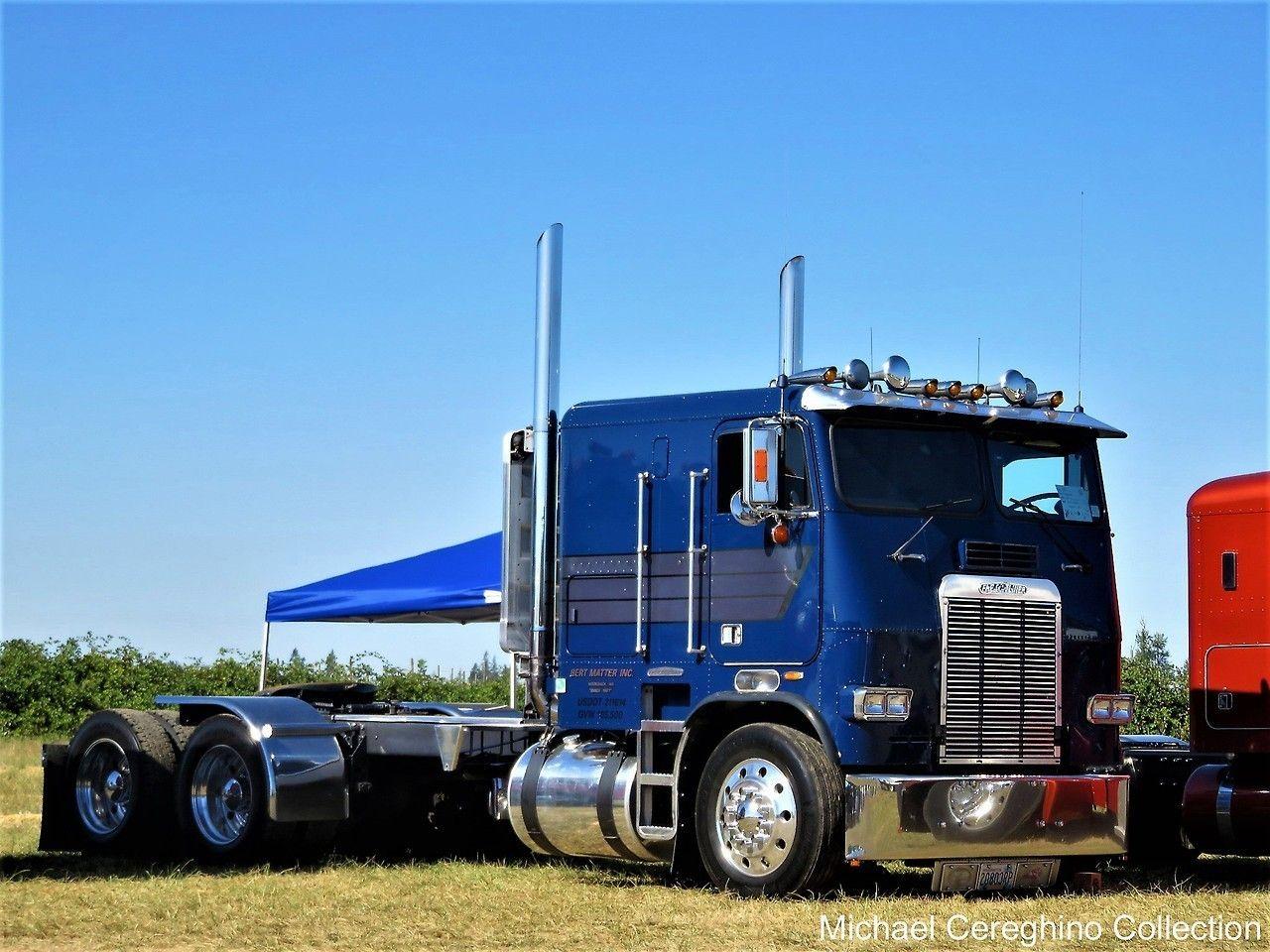 Old School So Cool Freightliner Trucks Freightliner Trucks