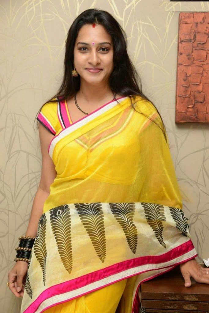Surekha Vani Artist At Telugu Film Industry Tfi Yellow Saree Saree Golden Saree