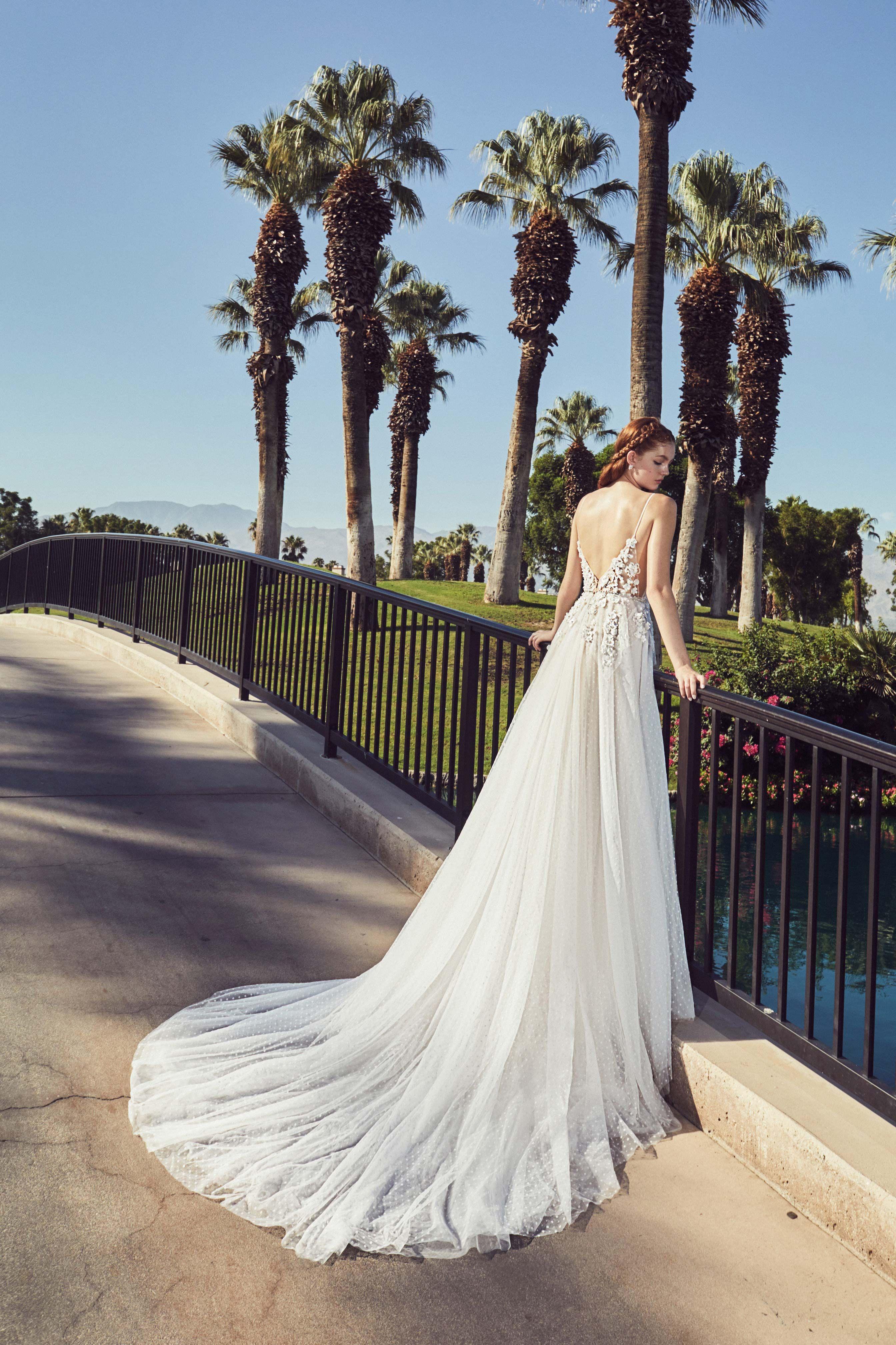 How To Get A Free Wedding Dress