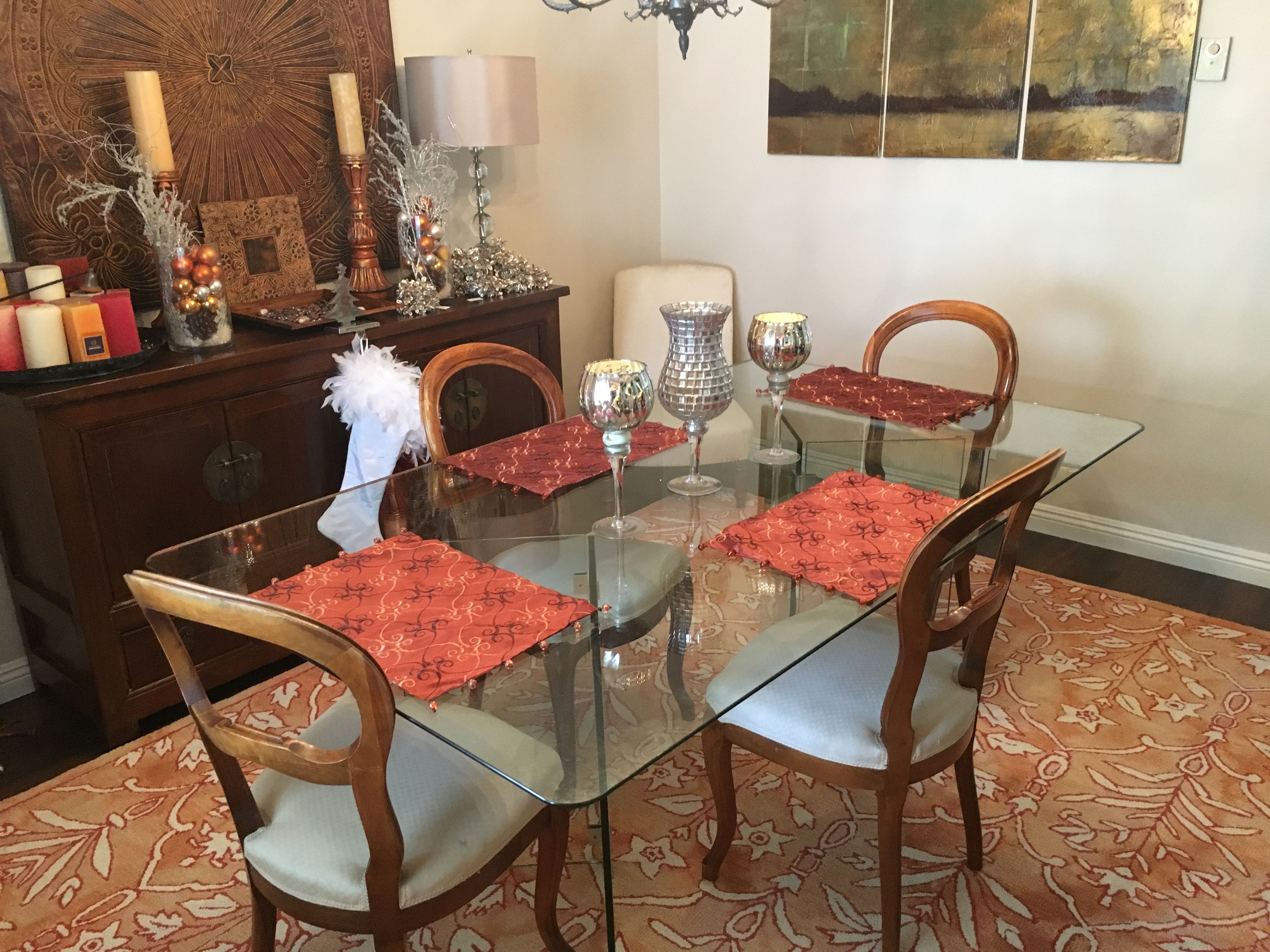 Home elegance glass table sits people comfortably and i had one