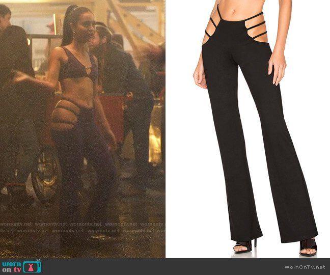 Maddy's purple cutout pants and bra top on Euphoria #maddyeuphoriaoutfits