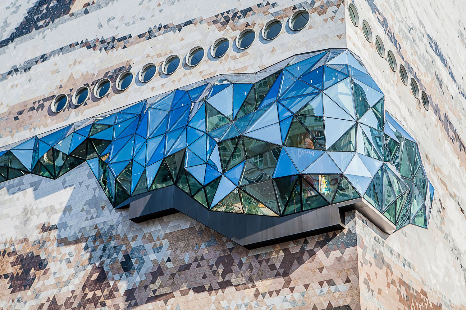 Gallery of OMA Completes the Galleria Department Store in Gwanggyo, South Korea - 4