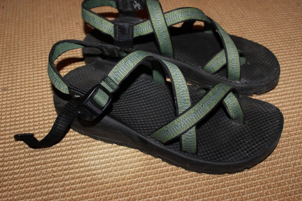 Chaco vintage women's sandals with toe