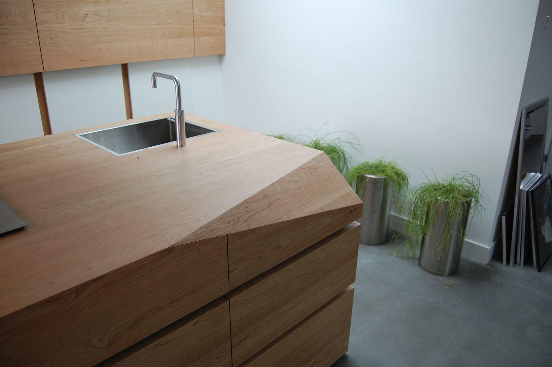 Houten Keuken Kind : Maatwerk keuken zwevend rvs werkblad gemaakt van massief