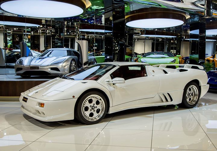 Pin By Deals On On Luxury Cars Dubai Lamborghini Lamborghini